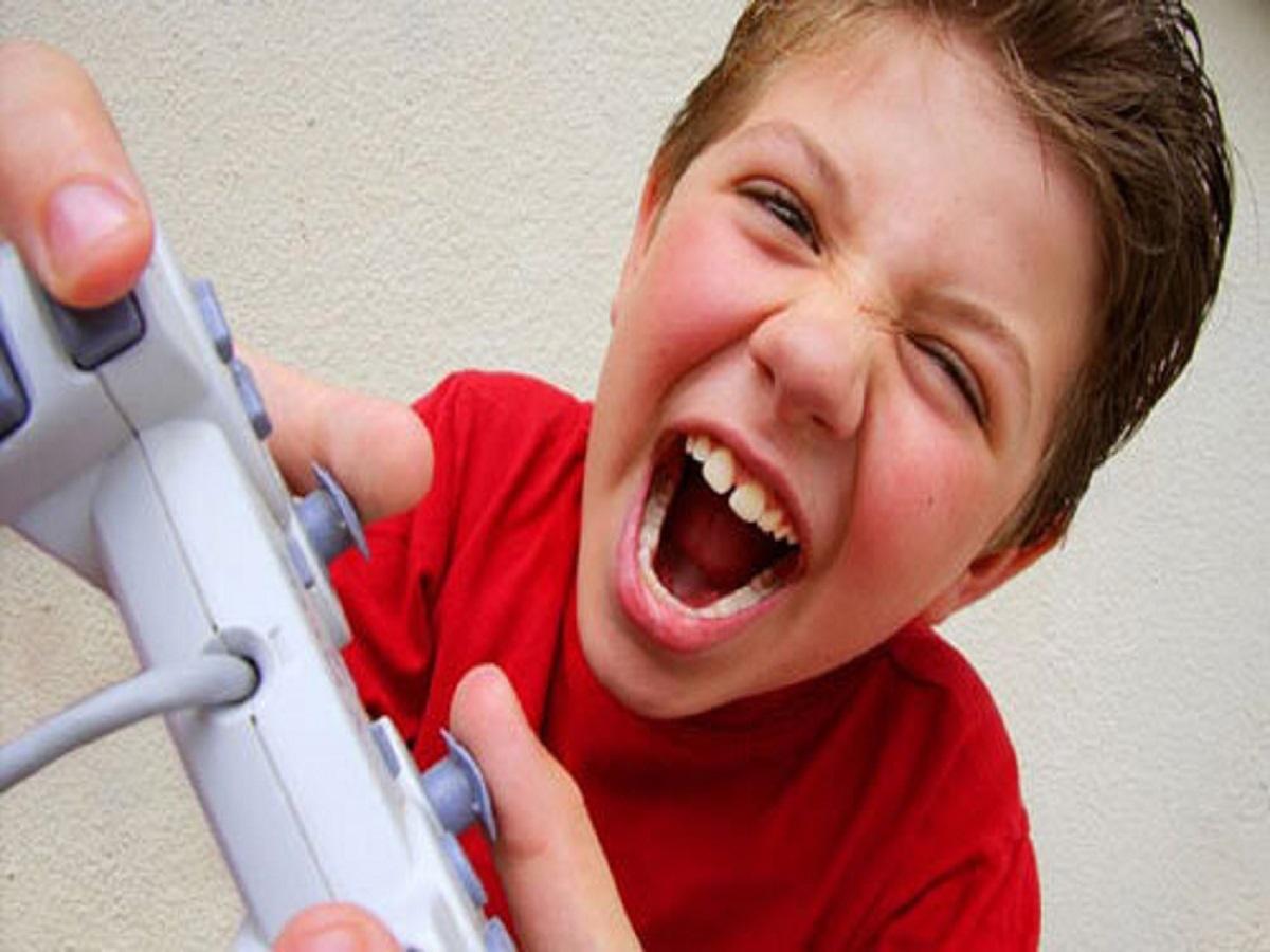 بازیهای رایانهای خشن چه بر سر کودکان میآورد!