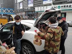 تنها دانشجوی ایرانی در ووهان چین چه میکند؟ +فیلم