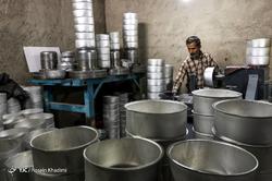 کارگاه سنتی تولید ظروف آلومینیوم