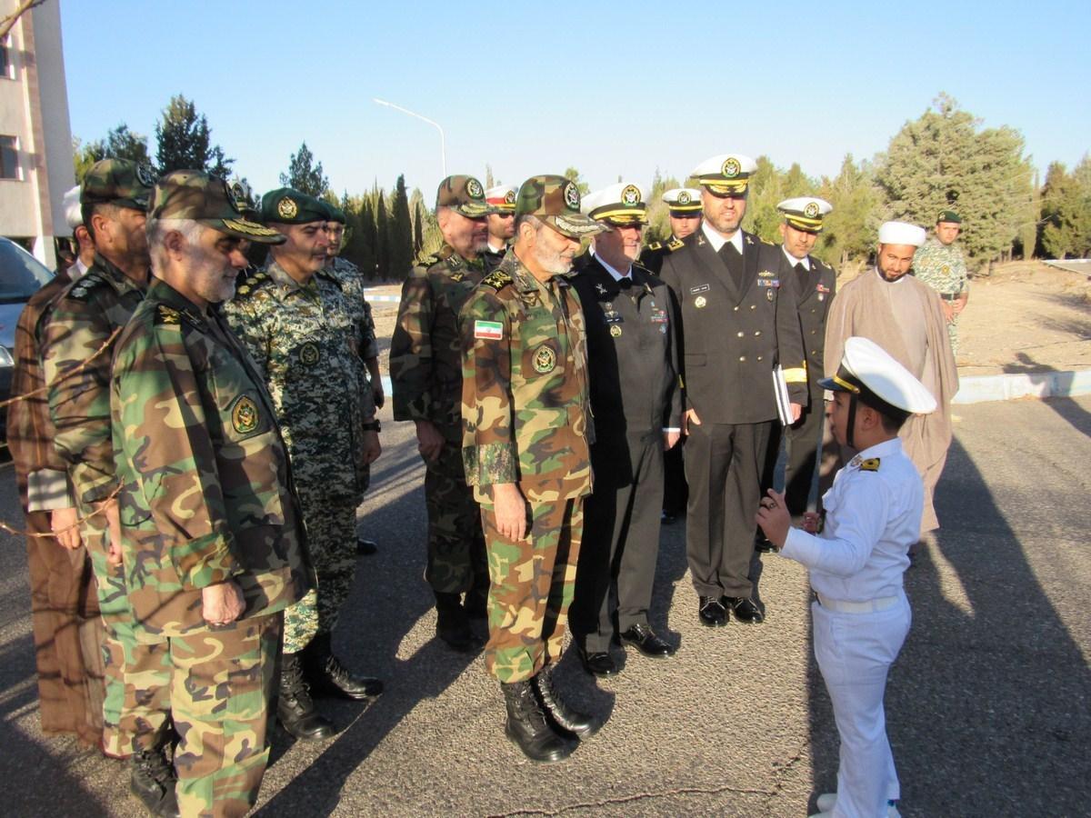 امیر سرلشکر موسوی از مرکزآموزش شهدای وظیفه نیروی دریایی ارتش بازدید کرد