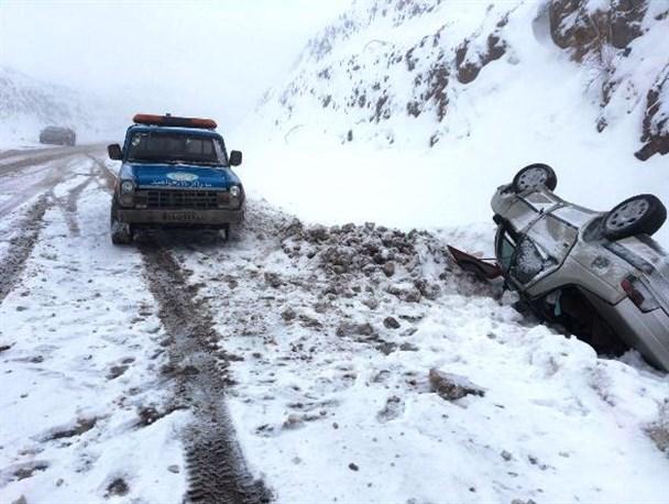 واژگونی 70 خودرو در جاده های استان