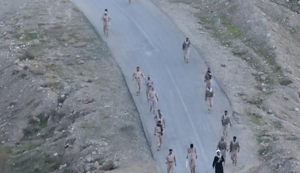 برگزاری همایش پیاده روی کارکنان مرزبانی در دهلران