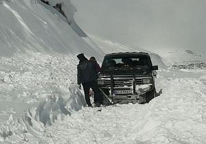 نجات جان یک خانواده از برف و یخبندان در استان قزوین