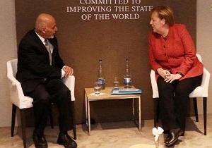 اعلام آماددگی «مرکل» برای میزبانی آلمان از مذاکرات صلح افغانستان