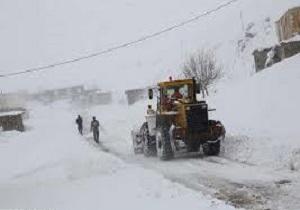 راه ارتباطی ۲۳۲ روستای برفگیر کوهرنگ باز شد