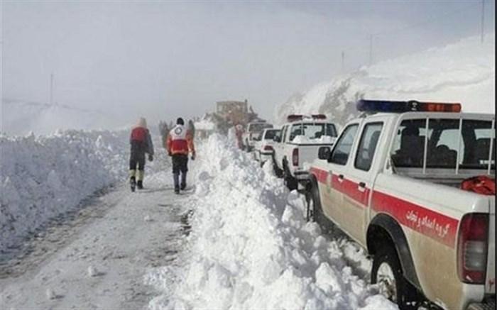 امدادرسانی به ۱۱ حادثه در برف و کولاک همدان