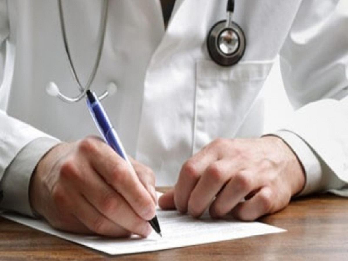 وقتی پزشک نماها برای مردم نسخه میپیچند