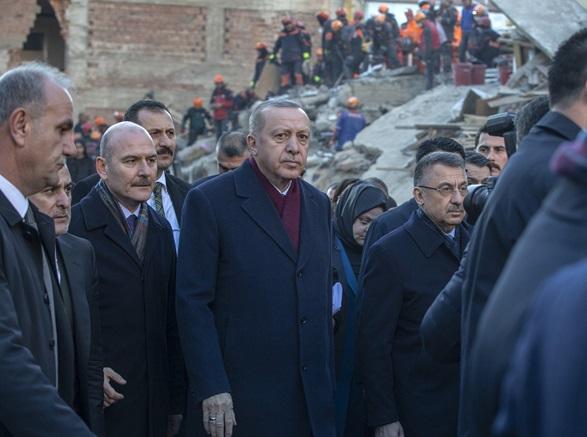 بازدید رئیس جمهور ترکیه از مناطق زلزله زده ترکیه