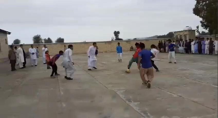 فوتبال بازی کردن حمید استیلی