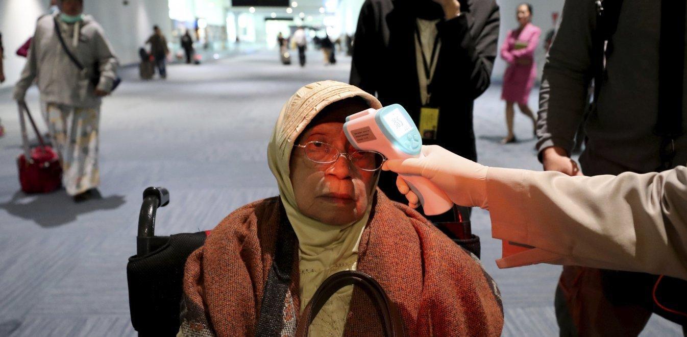 جزئیات سد بهداشتی فرودگاه های کشور در برابر کرونا/ غربالگری روزانه ۱۲۰۰ مسافر چینی در گیتهای ورودی