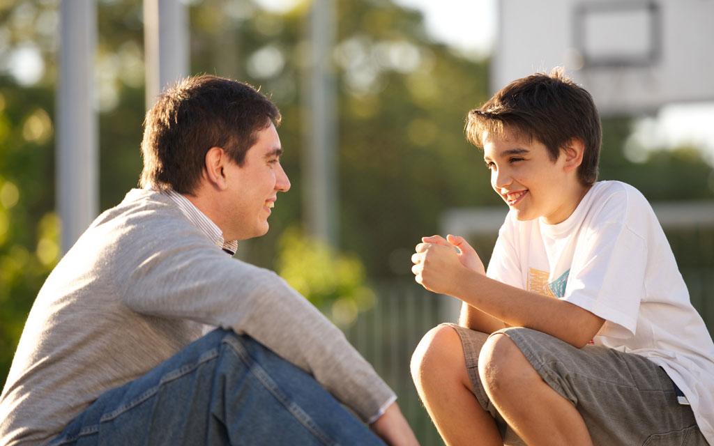 والدین باید چه اقدامات مراقبتی در دوران نوجوانی برای فرزندانشان کنند؟