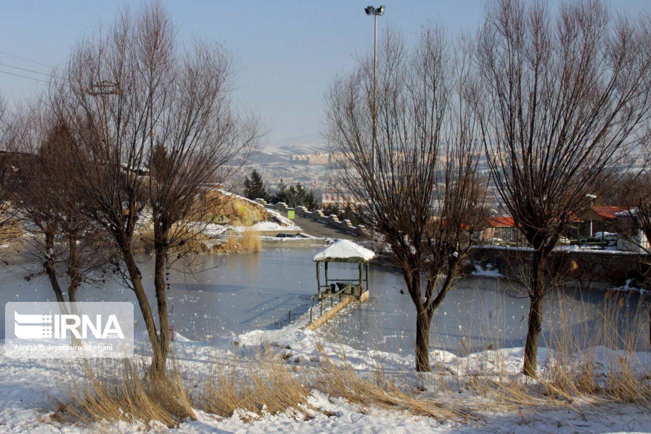دریاچه مصنوعی تپه گردشگری چغا بروجرد یخ زد + تصاویر