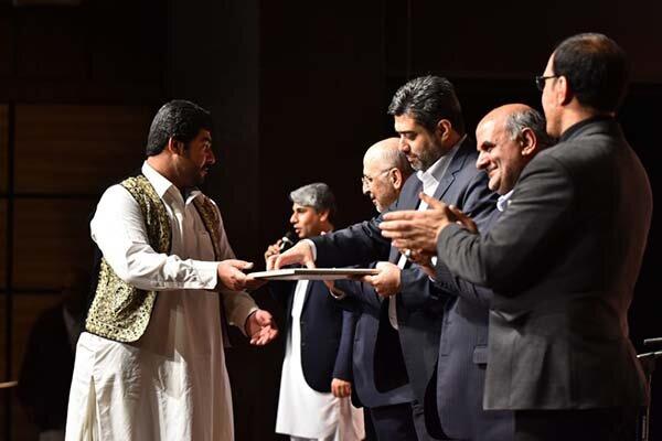 اعطای گواهی درجه ۱ هنری به ۴ هنرمند موسیقی سیستان و بلوچستان