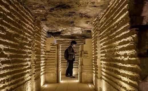 قدیمیترین هرم باستانی درکشور مصر پس از ۹۰ سال به روی گردشگران باز شد//مهندسان قدیمیترین هرم مصری را از تخریب کامل نجات دادند//مهندسان قدیمیترین یادگار متعلق به عصر فراعنه را از خطر نابودی نجات دادند///با بهره گیری از دانش معماری؛ قدیمیترین بنای باستانی در جهان به روی گردشگران گشوده شد