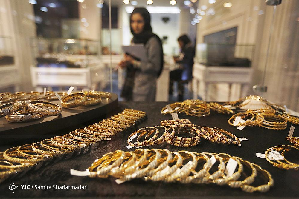 (گزارش)سایه سنگین کرونا بر بازار طلا و سکه/ افزایش نرخ دلار در بازار به دلیل قرار گرفتن مجدد ایران در فهرست سیاه FATF