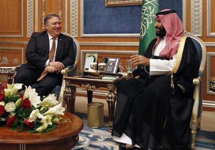 محمد بنسلمان، ولیعهد عربستان سعودی و مایک پمپئو، وزیر امور خارجه آمریکا