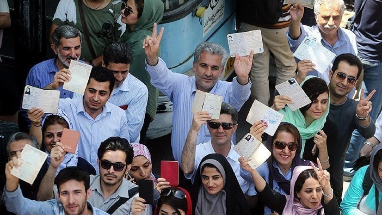 آغاز انتخابات یازدهمین دوره مجلس و میان دورهای خبرگان با دستور وزیر کشور/ ظریف و عارف رای خود را به صندوق انداختند