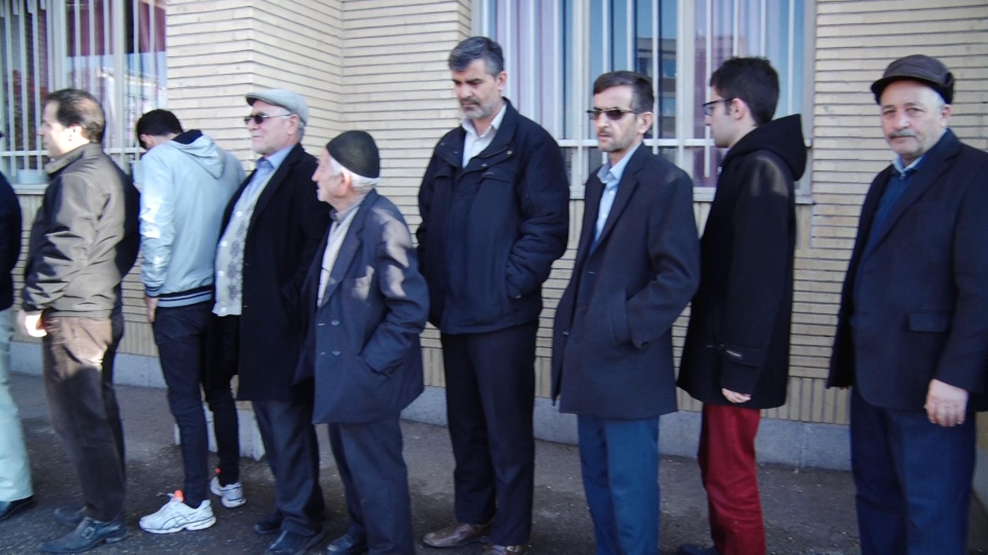 آغاز رای گیری انتخابات در زنجان/  ۸۰۲ هزار و ۷۳۶  زنجانی واجد شرایط رای دادن هستند