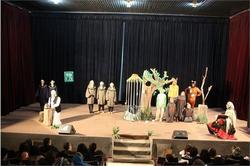 اجرای نمایش توکا و قفس در آستارا