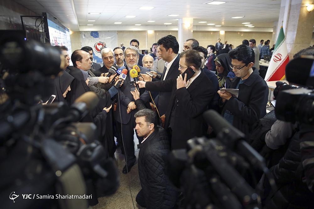 رئیس قوه قضائیه: انتخابات بهترین پادزهر در مقابل توطئههاست/ ظریف: انتخابات نشان دهنده قدرت ملی به همه دنیاست/ وزیر کشور: مردم رأی دادن را به ساعات پایانی موکول نکنند