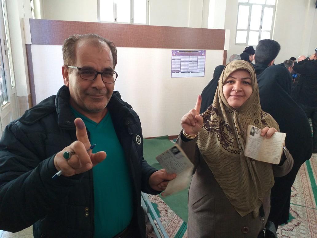 حضور پرشور مردم نهاوند پای صندوق رای + عکس