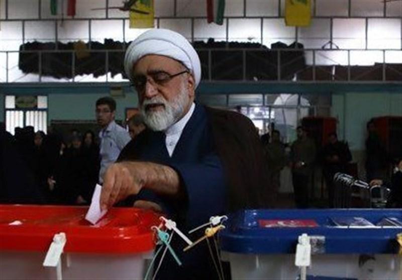 تولیت آستان قدس رضوی رای خود را به صندوق انداخت