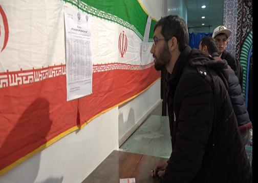 حضور اقشار مختلف مردم اردبیل در پای صندوقهای رای+ تصاویر