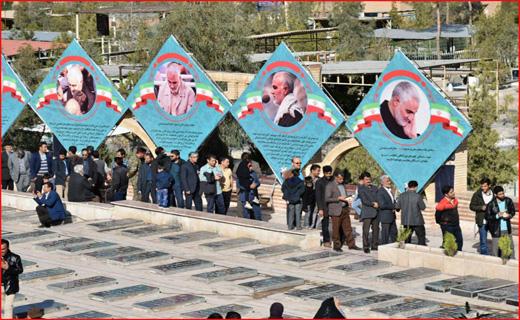 حضور گسترده مردم از ساعاتی قبل از شروع رای گیری در گلزار شهدای کرمان/ استقرار صندوق اخذ رای در بیمارستانها و پادگانها