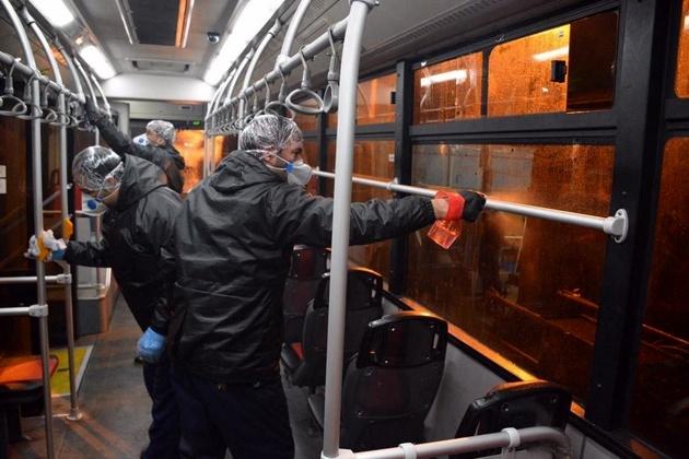ضد عفونی کردن ناوگان اتوبوسرانی مشهد جهت پیشگیری از کرونا