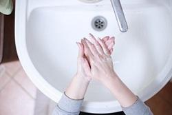 نحوه صحیح شستن دستها جهت پیشگیری از ابتلا به ویروس کرونا + فیلم