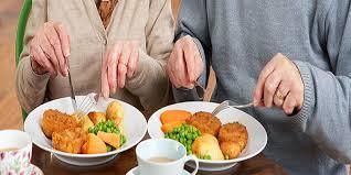 نیازهای غذایی برای زنان سالمند؟///نوروز