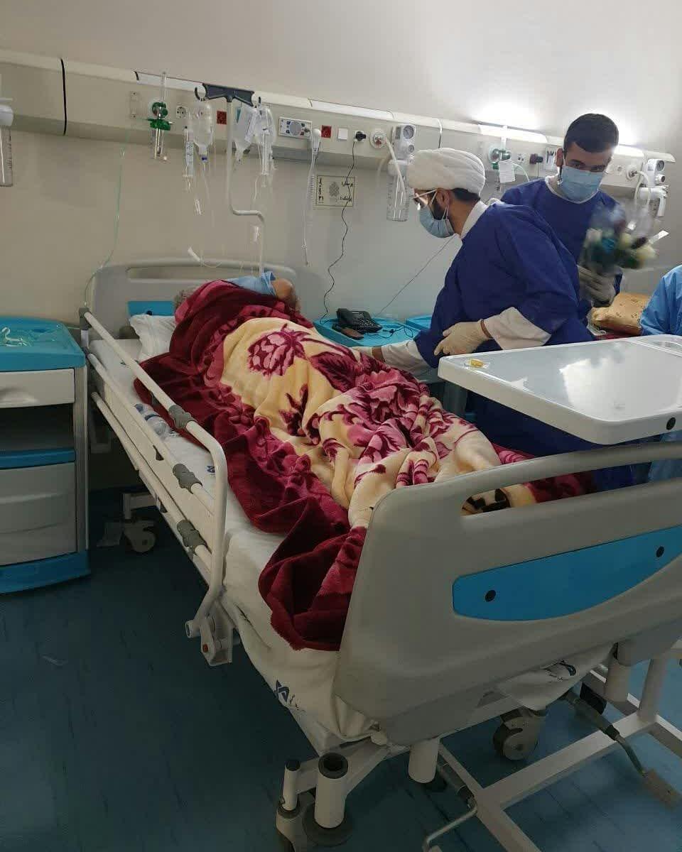 حضور اساتید و طلاب حوزه علمیه در بیمارستانها و درمانگاهها