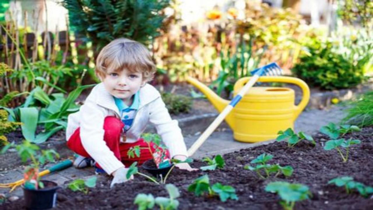 چند پیشنهاد برای سرگرم کردن کودکان در روزهای مقابله با کرونا