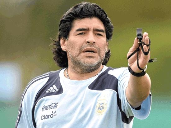 فوتبالیستهایی که دستگیر شدند؛ از مارادونا تا رونالدینیو + تصاویر