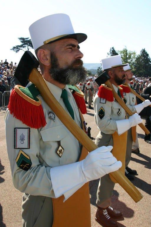 عجیب و جالب ترین یونیفرم های نظامی جهان که شاید تا کنون ندیده اید + تصاویر