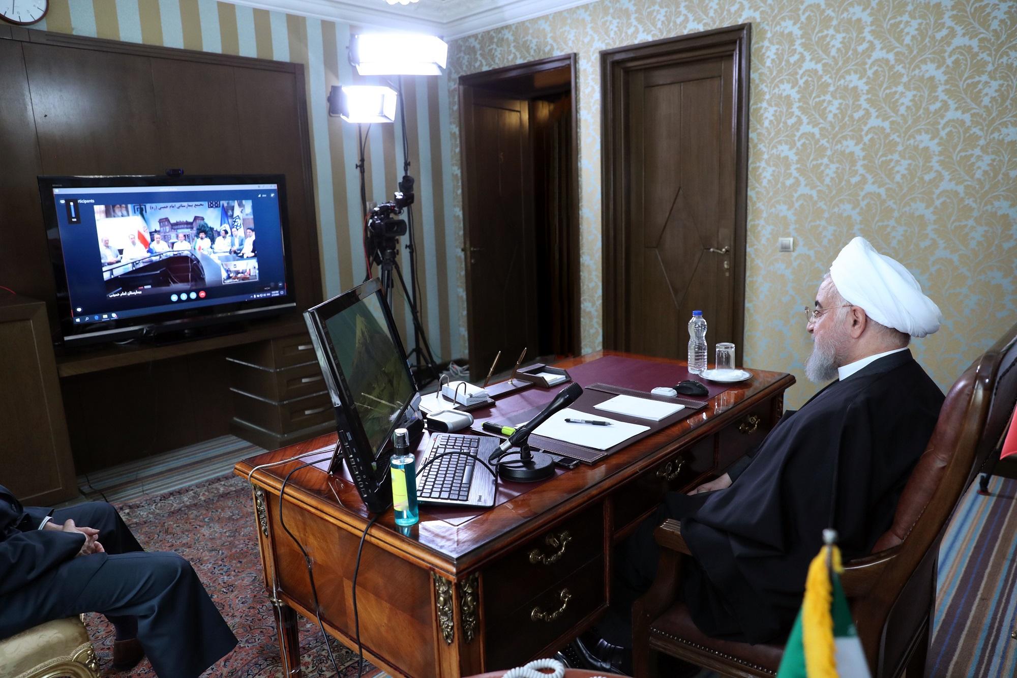 ترک اعتراضی جلسه ویدئو کنفرانس با رئیس جمهور توسط نمایندگان خوزستان