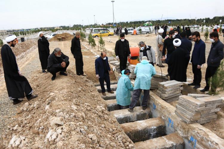 چند سوال از مدیرعامل آرامستان های بهشت معصومه (س)در خصوص دفن اموات کرونایی