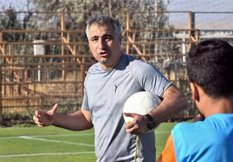 الهامی: پشتیبانی زنوزی باعث شد که بهترین مربی شوم/ قهرمان لیگ باید در زمین مسابقه مشخص شود