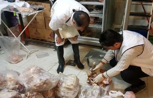 کشف و ضبط ۳ تن پای مرغ غیرقابل مصرف در سقز