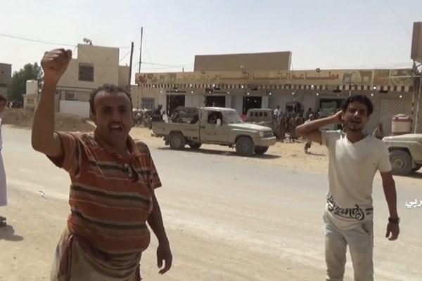 شادی مردم در پی آزادسازی استان الجوف یمن+ فیلم و تصاویر