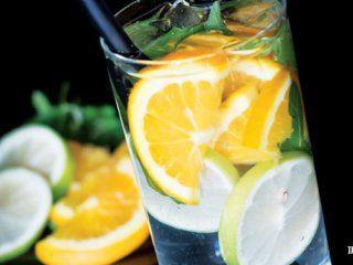 آموزش تهیه نوشیدنی دتاکس پرتقال و نعناع