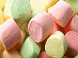 طرز تهیه مارشمالوی خانگی شیرینی محبوب بچهها
