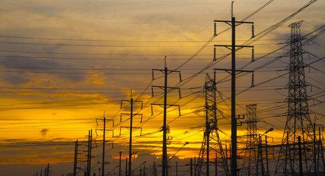 عیدی 5 ارجمندی ///بهبود صادرات برق کشور در سال ۹۸ / صرفه جویی در مصرف برق موجب افزایش صادرات آن میشود