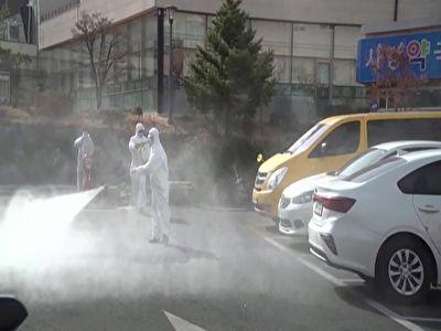 ضدعفونی کردن بیمارستان مخصوص مبتلایان به کرونا در کره جنوبی + فیلم