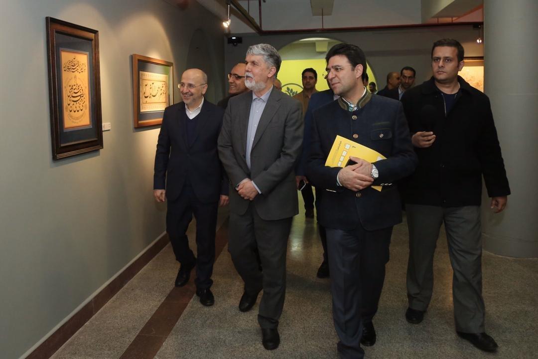 از استعفای گروهی تا ظهور کرونا در بزرگترین رویداد تجسمی کشور/ چرا نمایشگاه فجر عاری از بازدید کننده شد؟