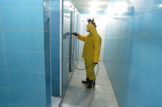 گندزدایی مستمر سرویسهای بهداشتی سطح شهر برای مقابله با ویروس کرونا