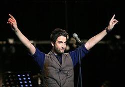 برگزاری کنسرت بنیامین بهادری در پشت بام منزلش! + فیلم