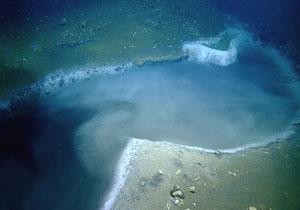 عید////////// دریاچهای باورنکردنی در زیر آب! + فیلم