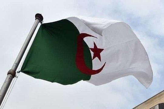 نخستوزیر سابق الجزایر به اتهام فساد مالی به دادگاه احضار شد