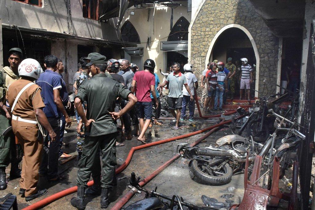 وقوع چندین انفجار در پایتخت سریلانکا/ صدها نفر کشته و زخمی شدند/ اعلام وضعیت فوقالعاده و بسته شدن شبکههای اجتماعی + تصاویر و فیلم